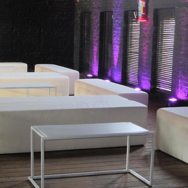 Loungebank met Quadrum bijzettafel